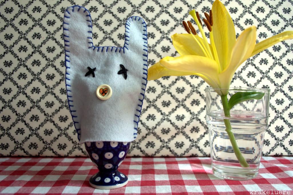 Ostern: Eierbecher mit Häschen